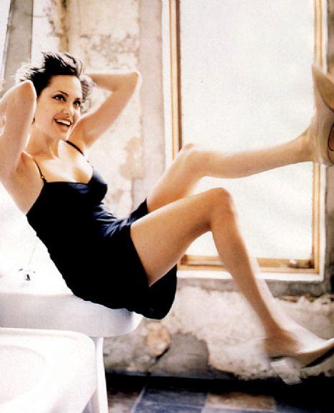 Jolie'nin şok pozları - 19
